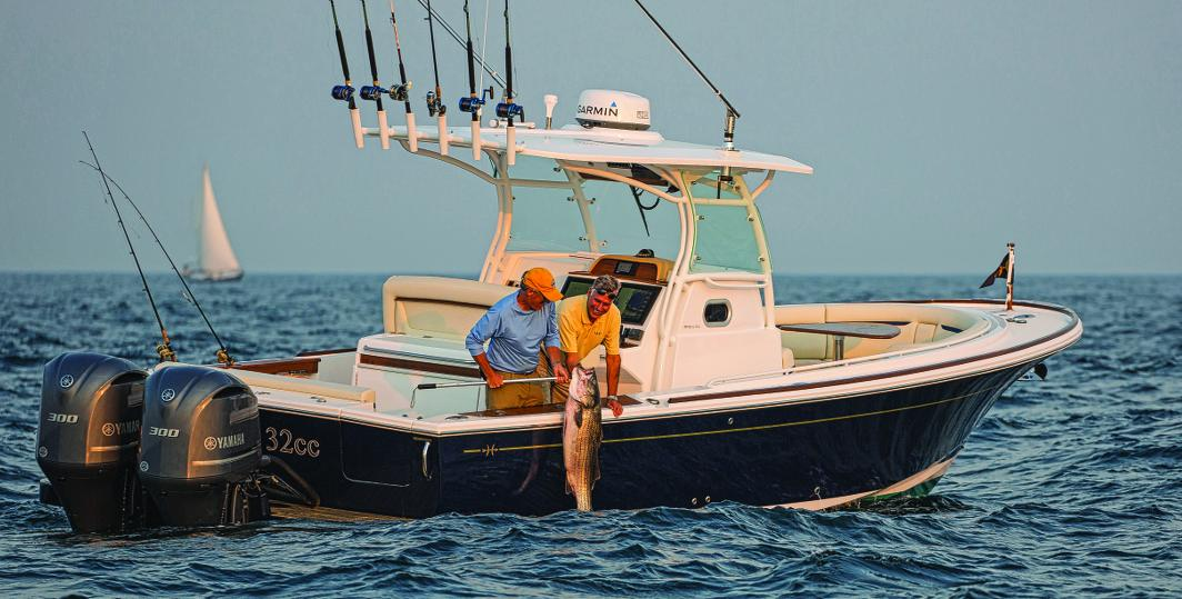 Hunt yachts 32 center console maine boats homes harbors for Best boat for fishing and family